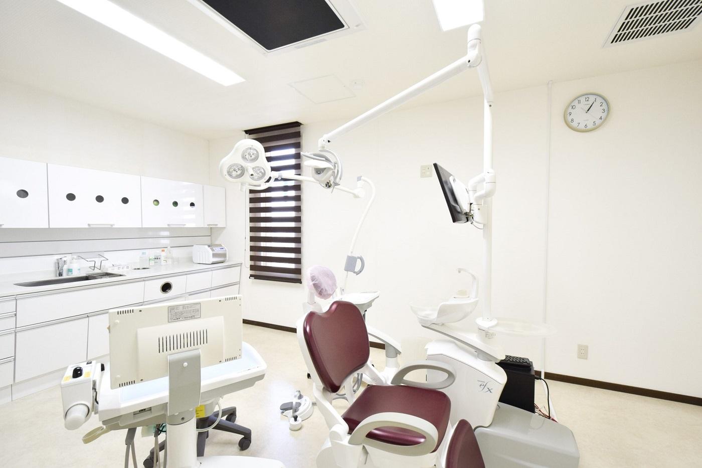 清潔なオペ室で行われる、安全性が高い手術